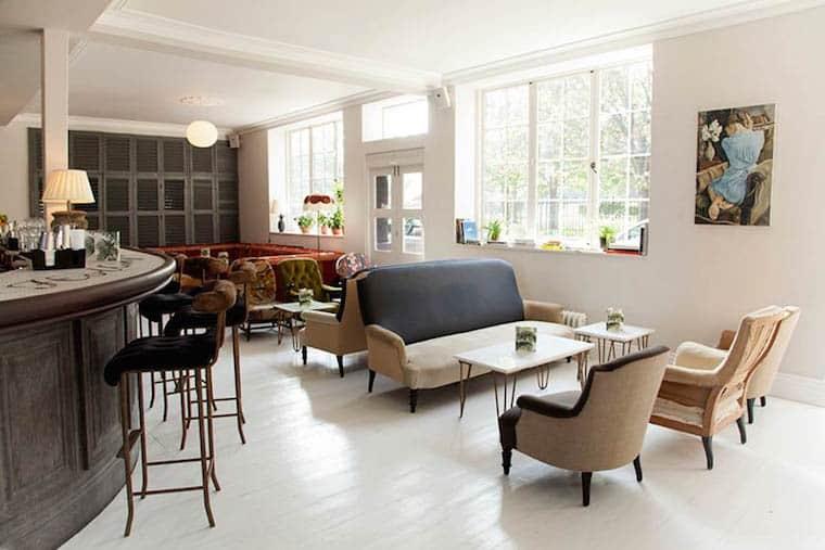 bourne-and-hollingsworth-buildings-restaurant-clerkenwell-london-lounge-library-bar-interior-design-2